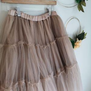 FULL tulle skirt